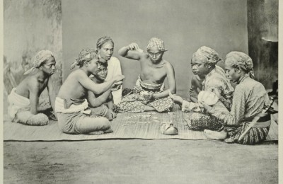 119. Kaarspellers: A photograph taken by Jean Demmeni showing gambling in central Java (circa 1911) - courtesy of Bartele Gallery