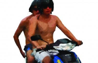 Bule on moped