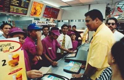Mohammad-Ali-at-McDonalds-in-Jakarta