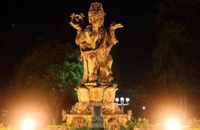 Patung Catur