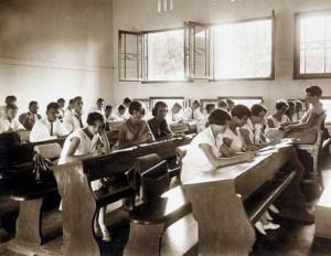 Hogere Burger School SMA Komplek Surabaya 6