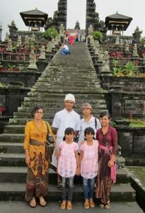 Dwi Anggayani with family