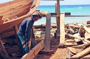 Boat builder in Bira