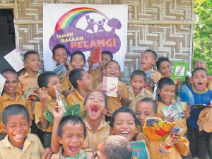 Children at one of Taman Bacaan Pelangi libraries