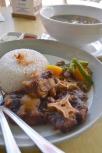 Sop Buntut - Dulang Cafe