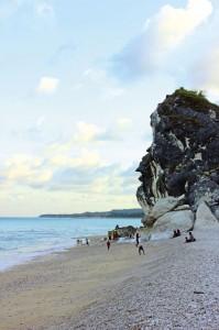Kolbano white rock beach