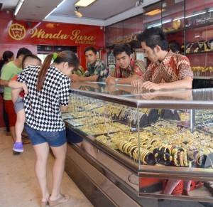 A gold shop in Denpasar