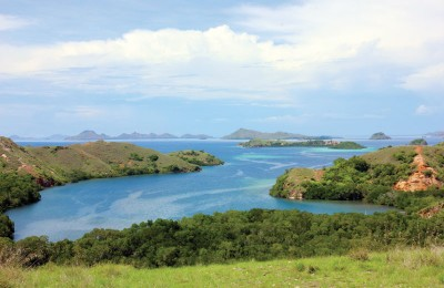 Overlooking_the_Komodo_Islands_from_Rinca_Bay