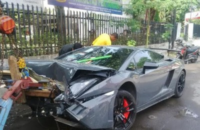 Lamborghini Gallardo Crash Surabaya Indonesia - Hartvoorautos.nl