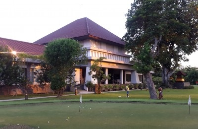 Chipping and Putting, is where good scores are made, Bali Beach has a practice area in front of the clubhouse