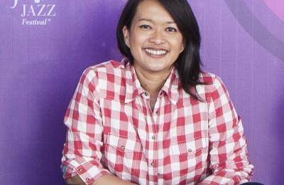 Dewi A.L Gontha online