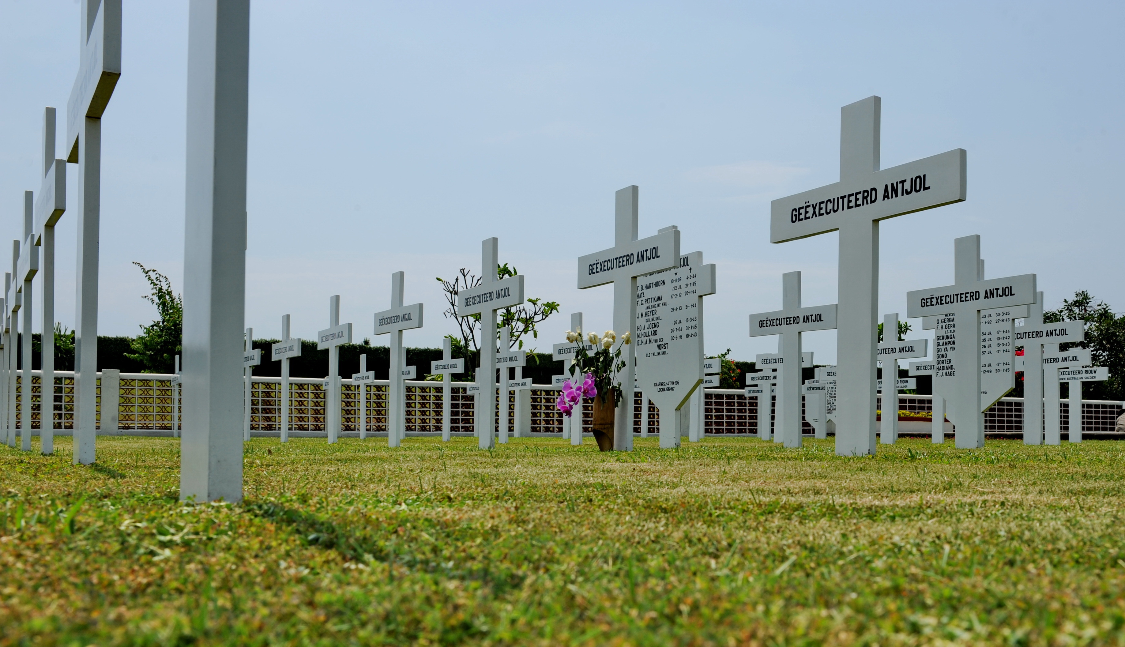 Gravestones of executived servicemen in Ancol. Photo Photo by P.H. van der Grinten