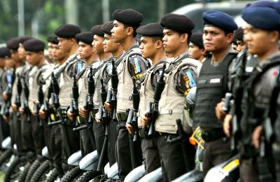 Indonesian Police Drug Smuggling