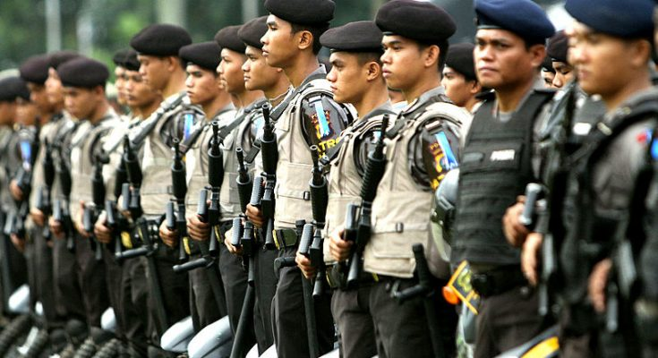 Indonesian Police Drug Smuggling