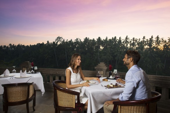 cascades-restaurant-bali-romantic-dinner