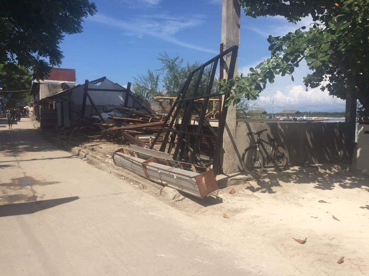 Gili-trawangan-demolition-2