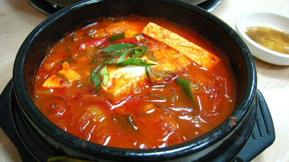 Kimchi Jigae | Photo Courtesy of Wikimedia Commons