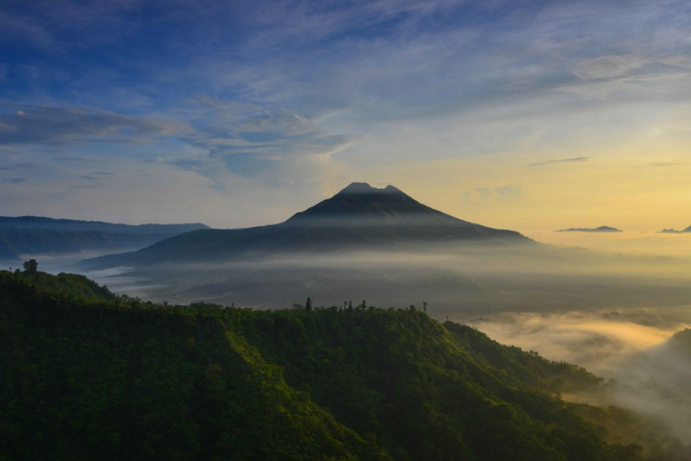 Guning Batur, north Bali in the early morning light | Photo by David Metcalf