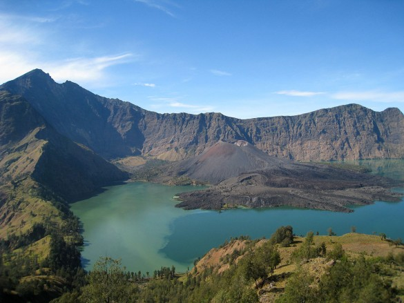 mount rinjani lombok | wikimedia commons