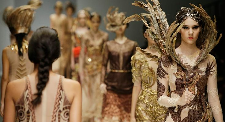 Fashionistas gear up for jakarta fashion week 2018 indonesia expat stopboris Image collections