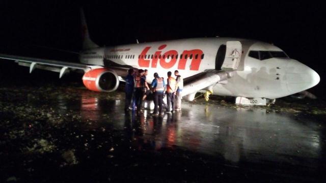 Image result for इंडोनेशिया की लॉयन एयरलाइंस की फ़्लाइट बोइंग