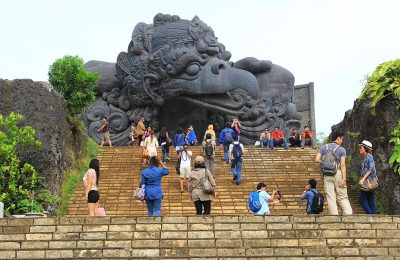 Tourist in Plaza Garuda Park