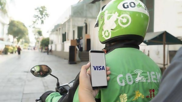Visa Invests In Go-Jek, Aims For More Cashless Payment