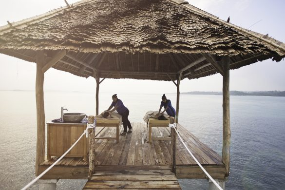 Enjoy Barefoot Luxury Only at Telunas Resorts