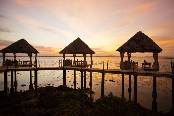 Enjoy Barefoot Luxury Only at Telunas Resorts